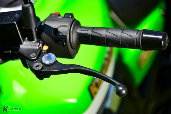 2016年モデル ZRX1200 DAEG Final Edition クラッチレバー