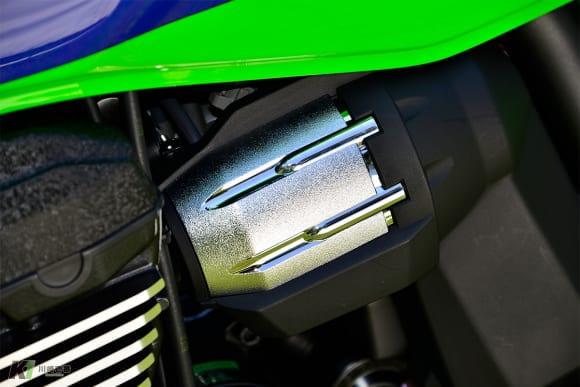 2016年モデル ZRX1200 DAEG Final Edition フューエルインジェクションカバー