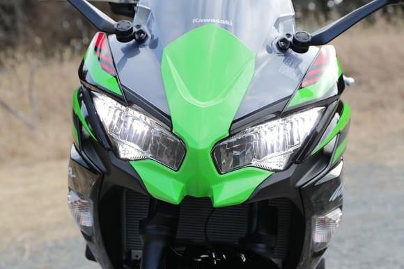2020年モデル Ninja 650 ヘッドライト(ロー)