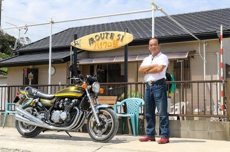 """バイク乗りのために手作りした""""バイクの駅"""""""
