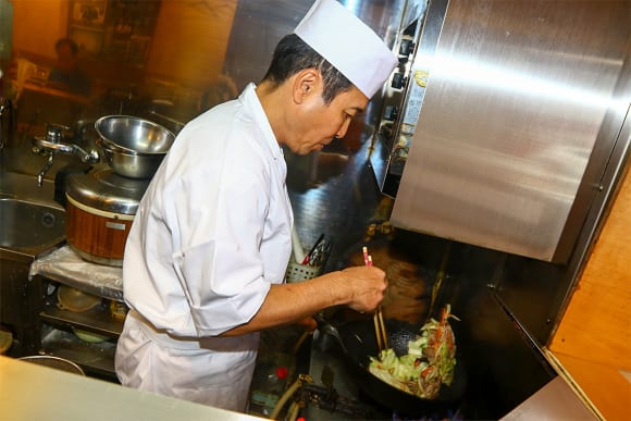 旬味 海鮮本舗 ランチとディナー営業
