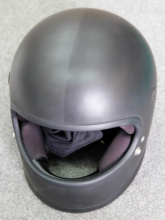 ツヤ消しペイントのヘルメットへのCR-1施工例