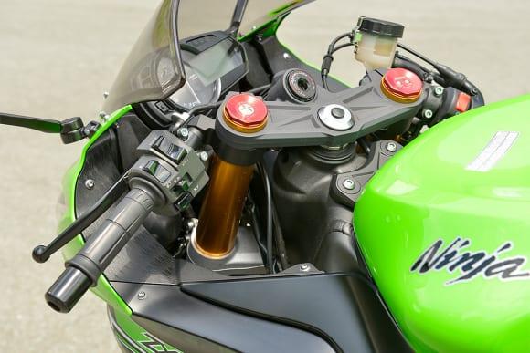 2014年モデル Ninja ZX-6R ハンドルポジション