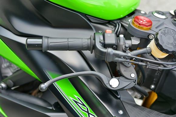 2014年モデル Ninja ZX-6R 右ハンドル