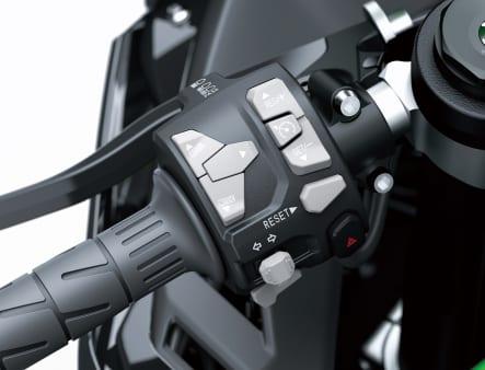2021年モデル Ninja ZX-10R 左ハンドルスイッチ