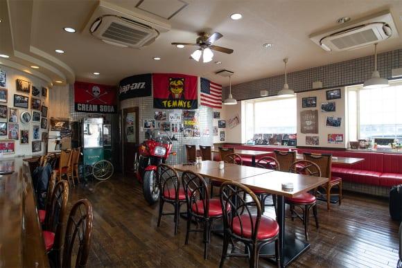 ライダーズカフェ「ルーツ」店内