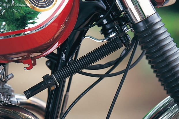 1966 W1 油圧ステアリングダンパー
