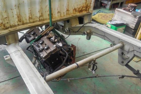 スズキ・キャリイ ZX-12Rエンジン搭載