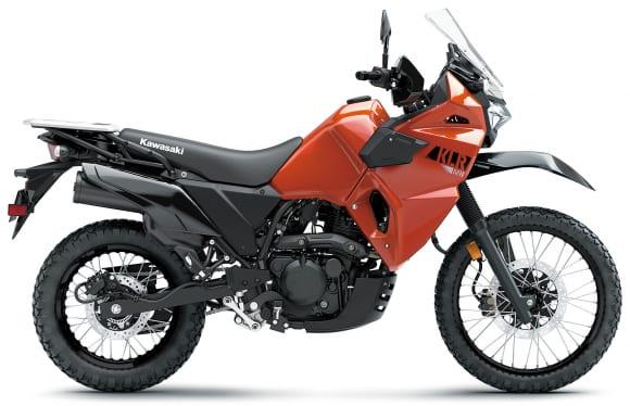 2022年モデル KLR650 パールラバオレンジ