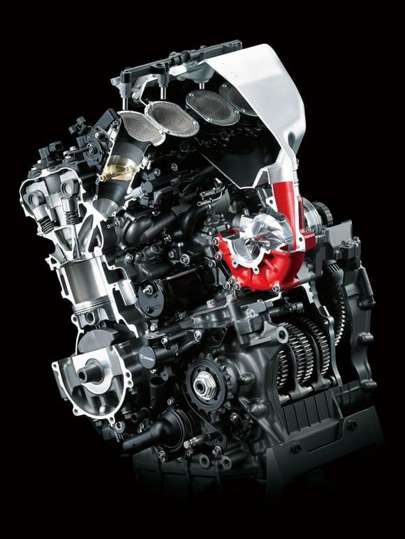 スーパーチャージドエンジン(写真は2015年モデル Ninja H2)