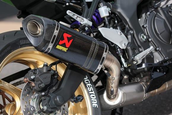 アクティブ Ninja ZX-25Rカスタム車 アクラポビッチマフラー