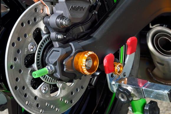 ベビーフェイス Ninja ZX-25Rカスタム車 アクスルカップ