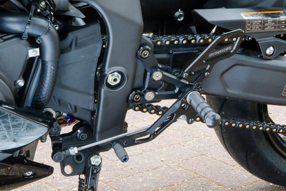 ストライカー Ninja ZX-25Rカスタム車 バックステップキット