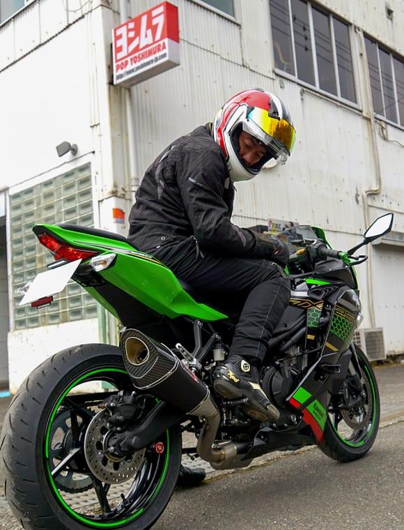 ヨシムラ Ninja ZX-25Rカスタム車 横田氏によるインプレッション