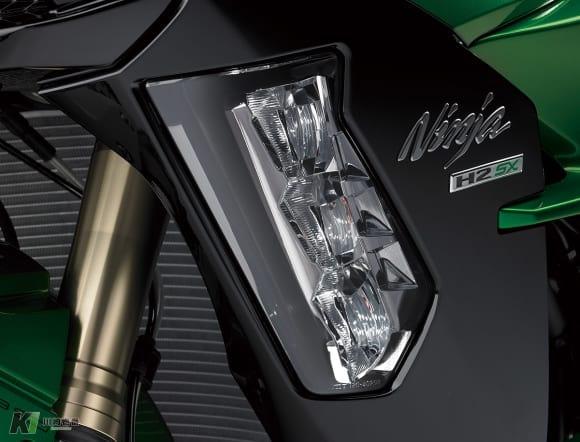 Ninja H2 SX SE コーナリングライト