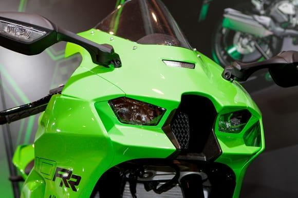 """カワサキワールド モーターサイクル企画展 """"The Champ〜頂点に輝いたマシンたち〜 2021 Ninja ZX-10RR カウル"""