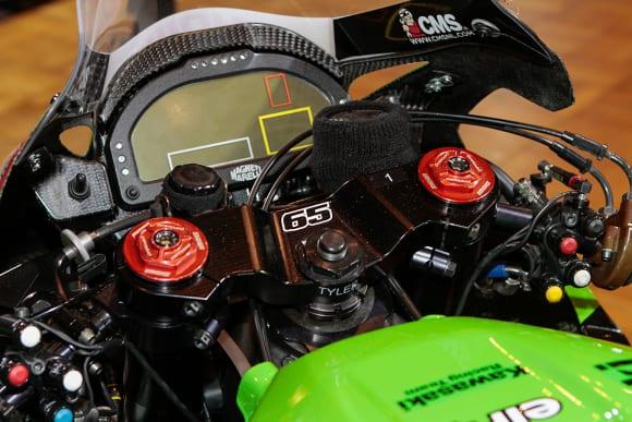 """カワサキワールド モーターサイクル企画展 """"The Champ〜頂点に輝いたマシンたち〜 2020 Ninja ZX-10RR KRT WSBK メーター"""