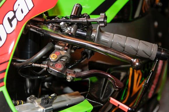 """カワサキワールド モーターサイクル企画展 """"The Champ〜頂点に輝いたマシンたち〜 2020 Ninja ZX-10RR KRT WSBK リヤハンドブレーキ"""