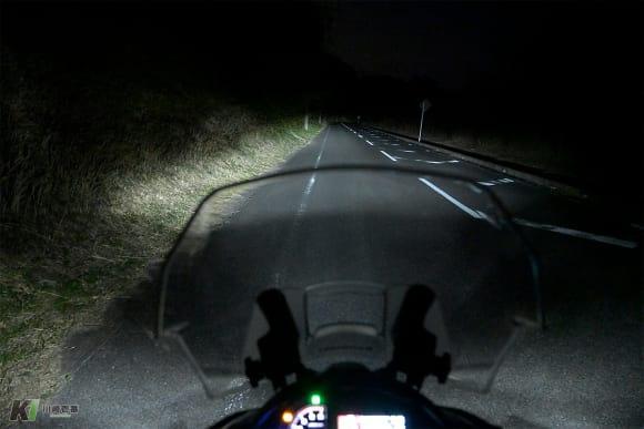 VERSYS 1000 SEのLEDヘッドライト