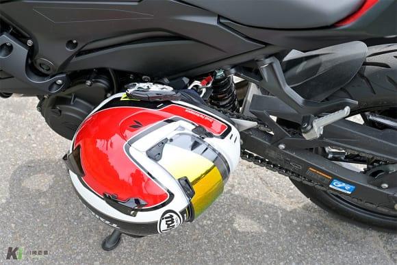 2019年モデル Z250 ヘルメットホルダー
