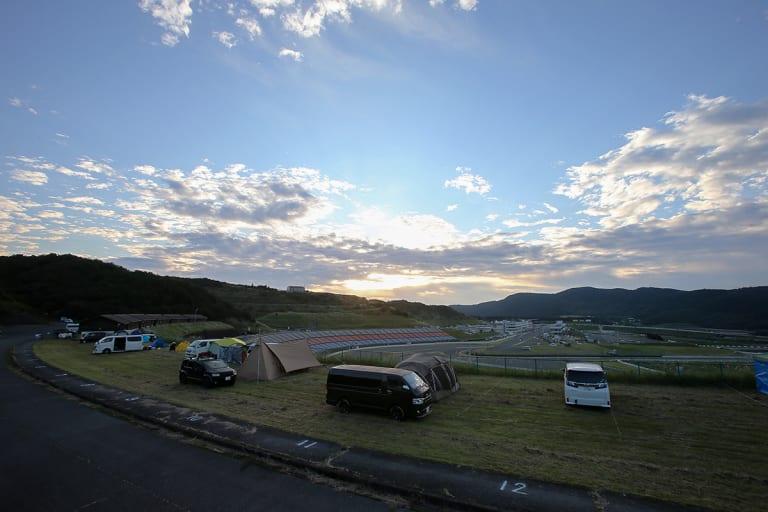 くじゅう阿蘇ツーリングの拠点に適したオートポリスとSPA直入のキャンプ場