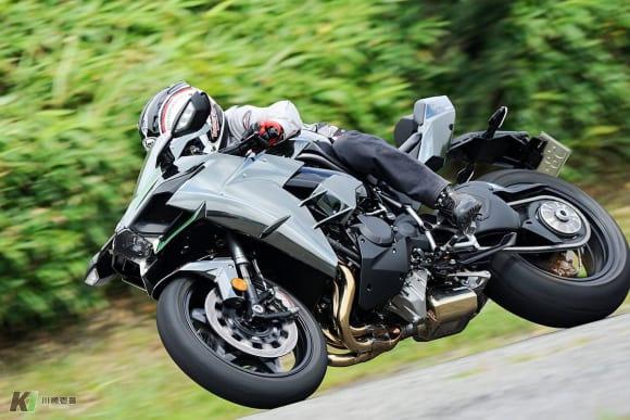 過給によって魅力が深化。スーパーチャージドエンジンの乗り味を検証 Ninja H2 CARBONの走り