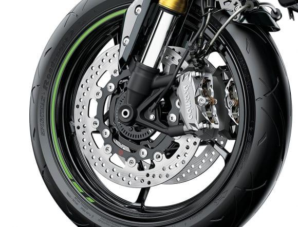 2022年モデル Z900 SE フロントブレーキにブレンボ製ブレーキパッケージを採用